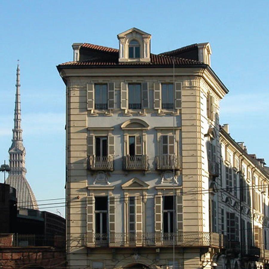 Torino - Piazza Castello-Vendita in blocco da Compagnia Assicurativa