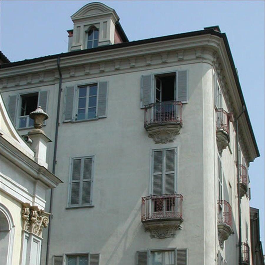 Torino - via Sant'Agostino-Vendita in blocco a Impresa di Costruzioni