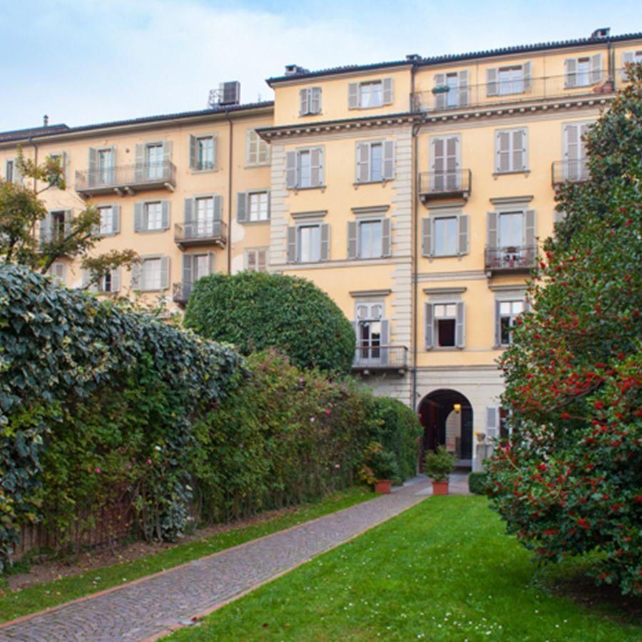 Torino - via Maria Vittoria-Affitto appartamenti di prestigio