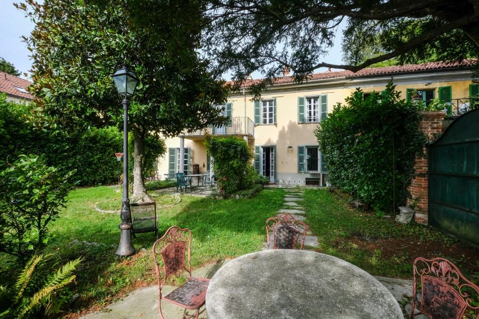CASTIGLIONE - PORZIONE DI CASALE - MQ 291 - € 269.000
