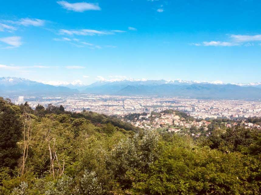 CAVORETTO: Questa è Torino vista dal terrazzo di casa tua.
